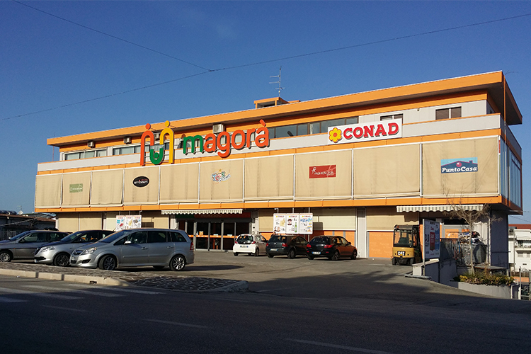 centro commerciale magora